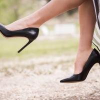 Cum sa iti alegi incaltamintea atunci cand ai picioarele ...